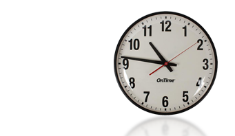 poe ścianie zegar analogowy